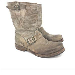 Frye Distressed Veronica Short Boot